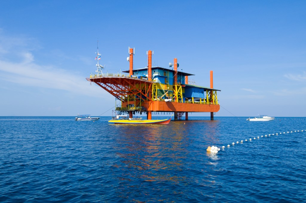 Recycling an Oil Platform into a One-of-a-Kind Dive Resort